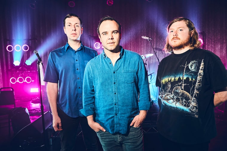 future-islands-band-d9b4c230-7593-4090-861c-706b06f8c97e